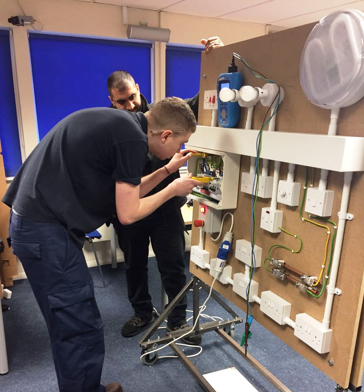 electrical training apprenticeshiptesla technical training